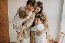 Conseils parentaux de base pour un ménage plus heureux